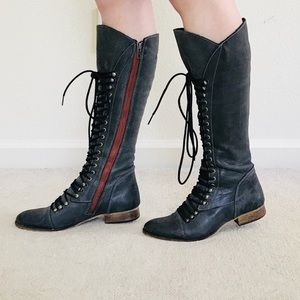 STEVE MADDEN Lace Up Boots (SZ 7.5)